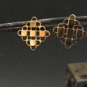 14k solid yellow gold earrings.